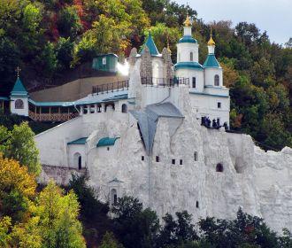 Наместник Святогорской лавры рассказал об особой миссии Донецкой епархии УПЦ
